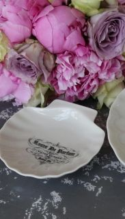 Ceramic Shell Soap Dish